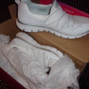 Skechers Shoes - Skechers running white size 11 womens sneaker